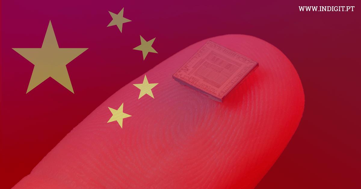 Pode a China ter usado microchips para se infiltrar em empresas norte-americanas?