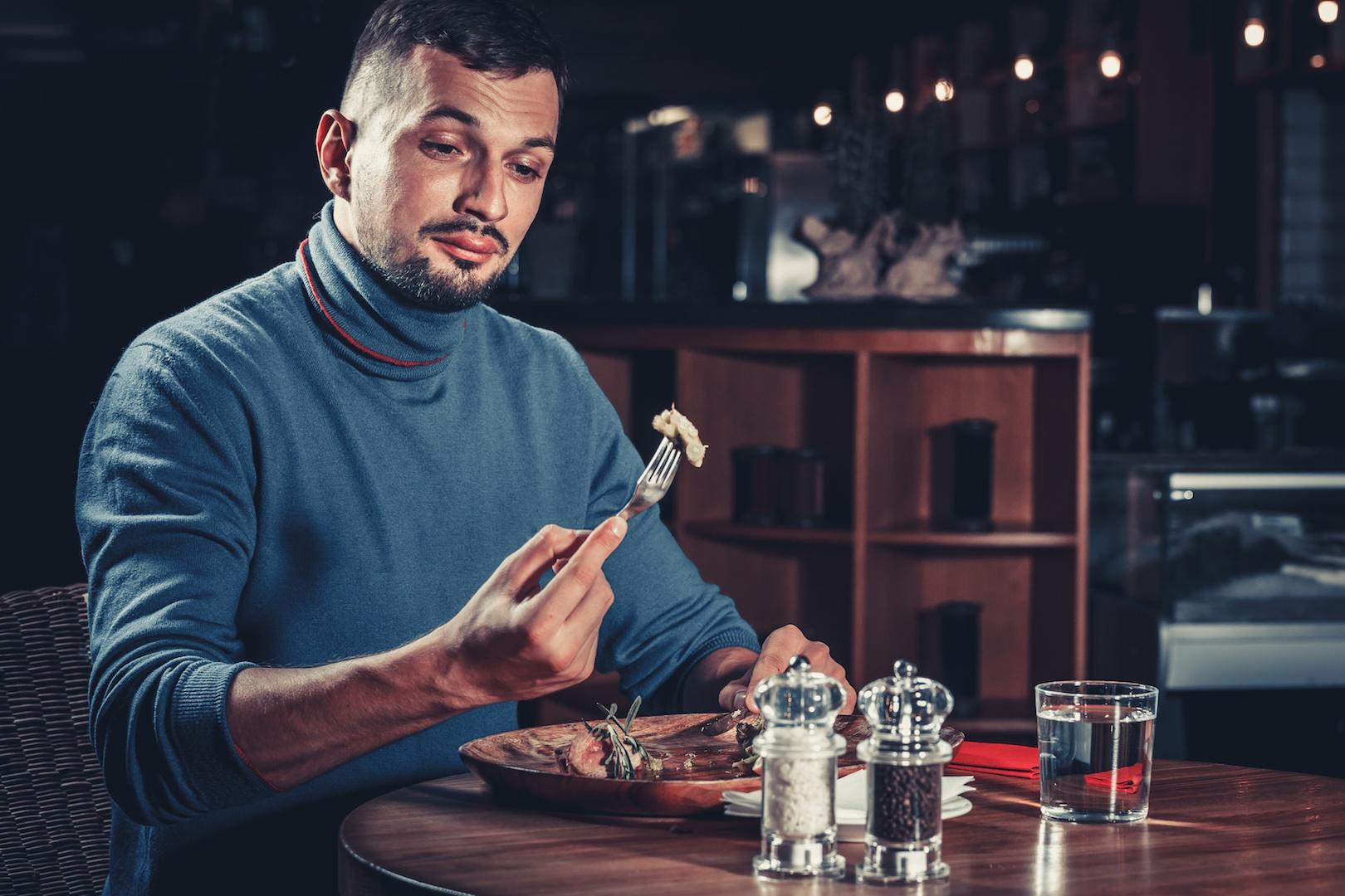 Clientes fiéis atraem outros clientes e terá mais reservas para o seu restaurante