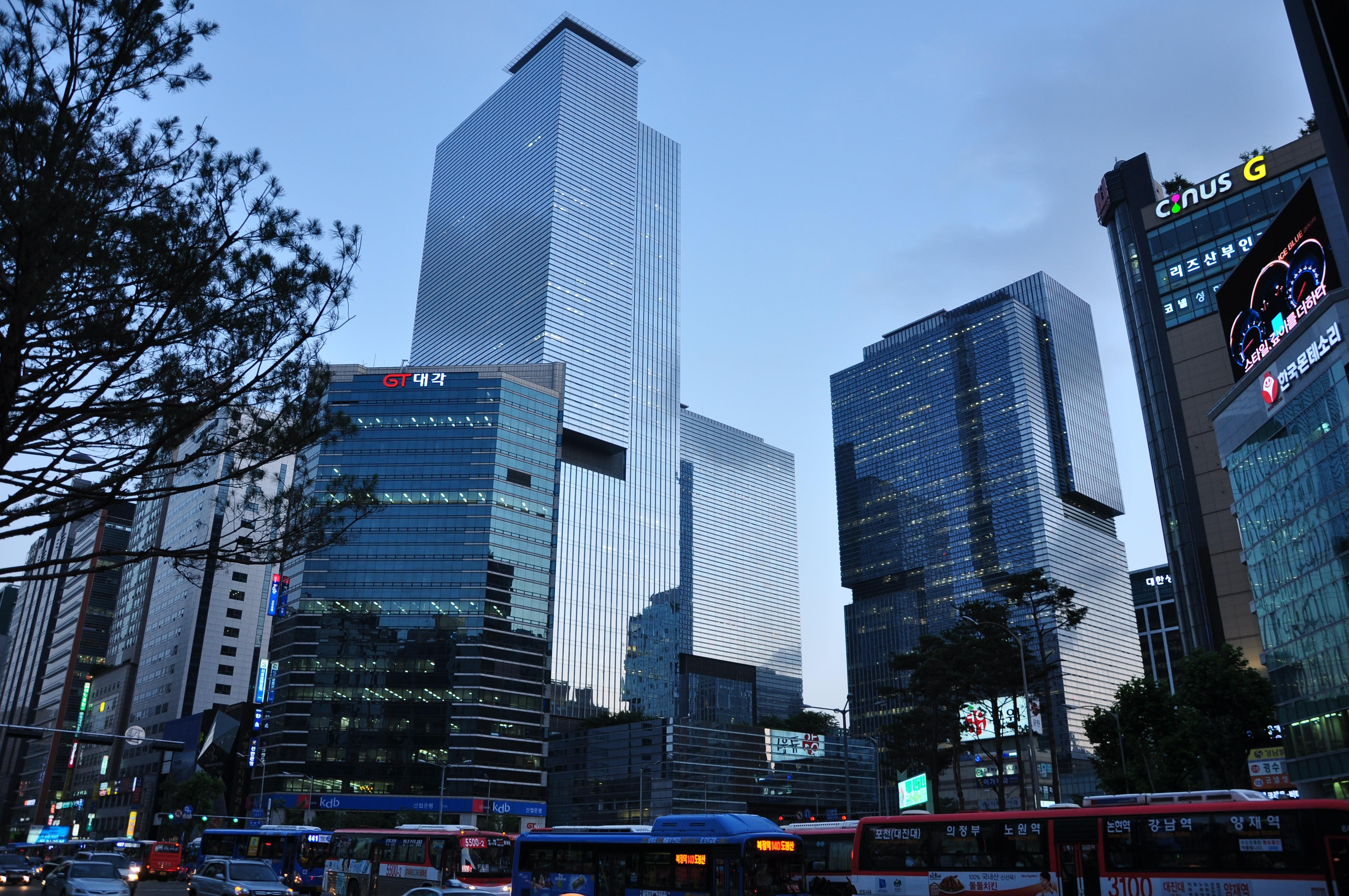 A Samsung ainda não veio a público explicar o negócio com o Facebook