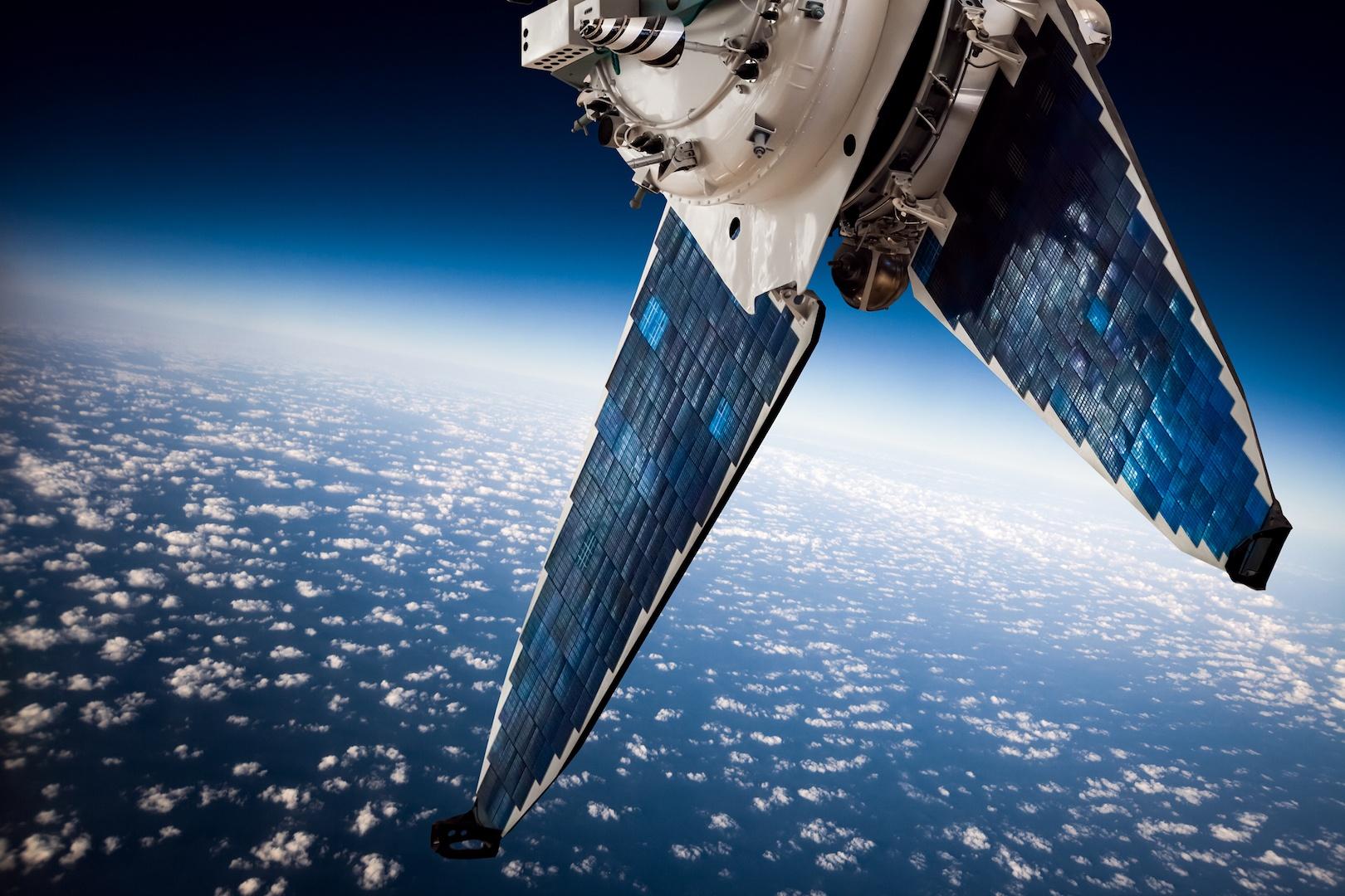 Comunicações via satélite podem estar comprometidas