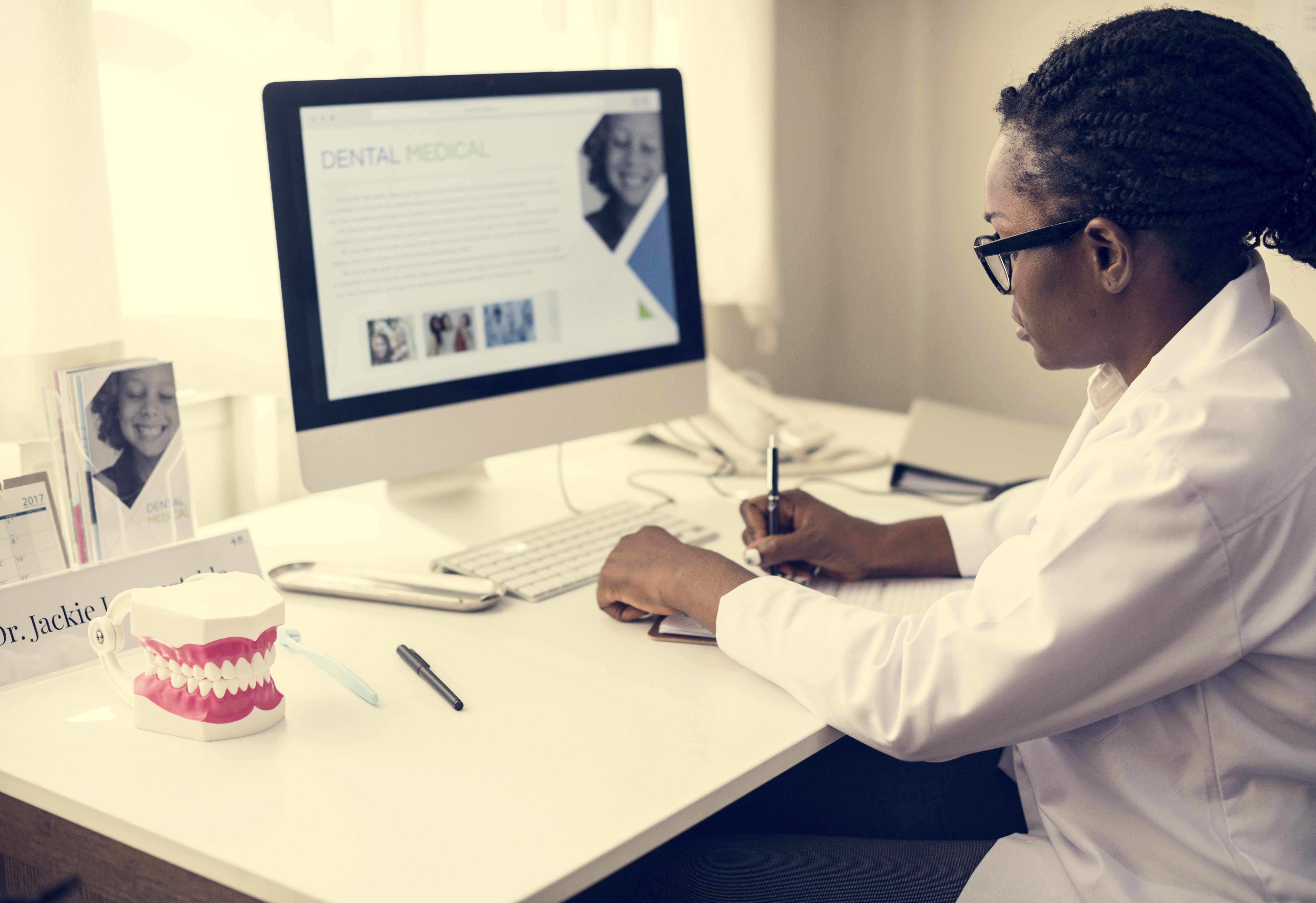 Clínicas dentárias com website atraem mais clientes