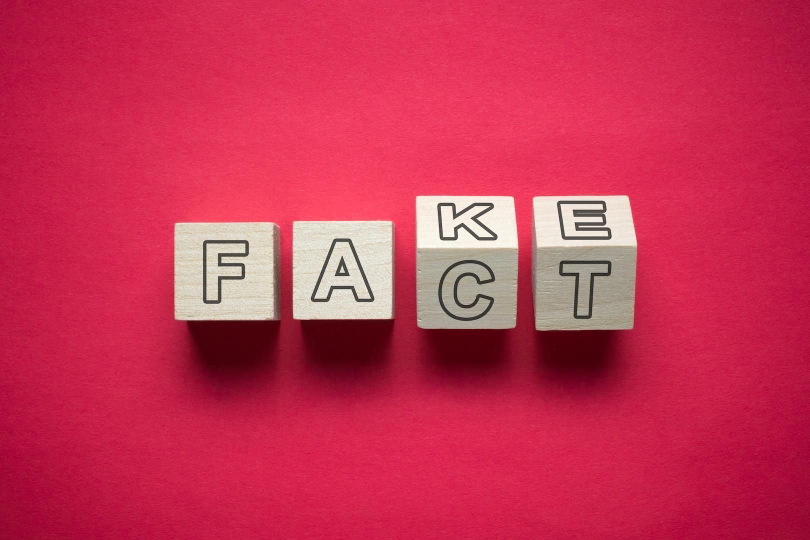 Os factos devem ser distinguidos das notícias falsas